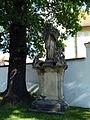 Chroboly, socha sv. Jana Nepomuckého 01.jpg