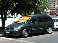 Chrysler Caravan Sport 2001 (22471840424).jpg