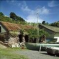 Collectie Nationaal Museum van Wereldculturen TM-20030067 Resten van de oude pakhuizen gelegen op het strand beneden bij Fort Oranje Sint Eustatius Boy Lawson (Fotograaf).jpg