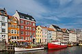 Colorful Nyhavn (29412558881).jpg