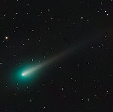 https://upload.wikimedia.org/wikipedia/commons/thumb/e/e2/Comet_ISON_Oct_08_2013.jpg/220px-Comet_ISON_Oct_08_2013.jpg