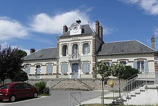 Courlon-sur-Yonne Commune in Bourgogne-Franche-Comté, France
