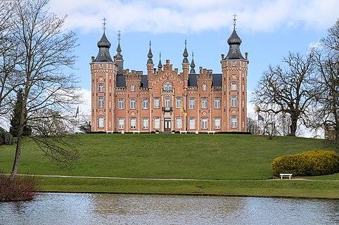De Viron Castle