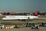 Delta N899AT Boeing 717-200 (29702091840).jpg