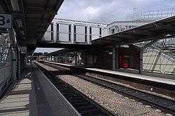 Derby railway station MMB C1 156408.jpg