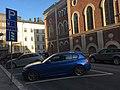 Diagonal parking on street (29771730288).jpg