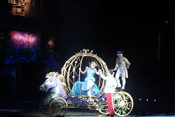 English: Disney On Ice: Princess Wishes perfor...