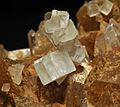 Dolomite sur quartz et sidérite (France).JPG