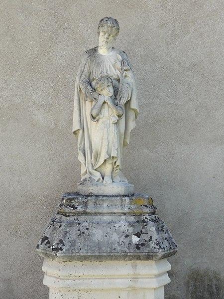 Doulaincourt, château de Montrol, statue devant façade