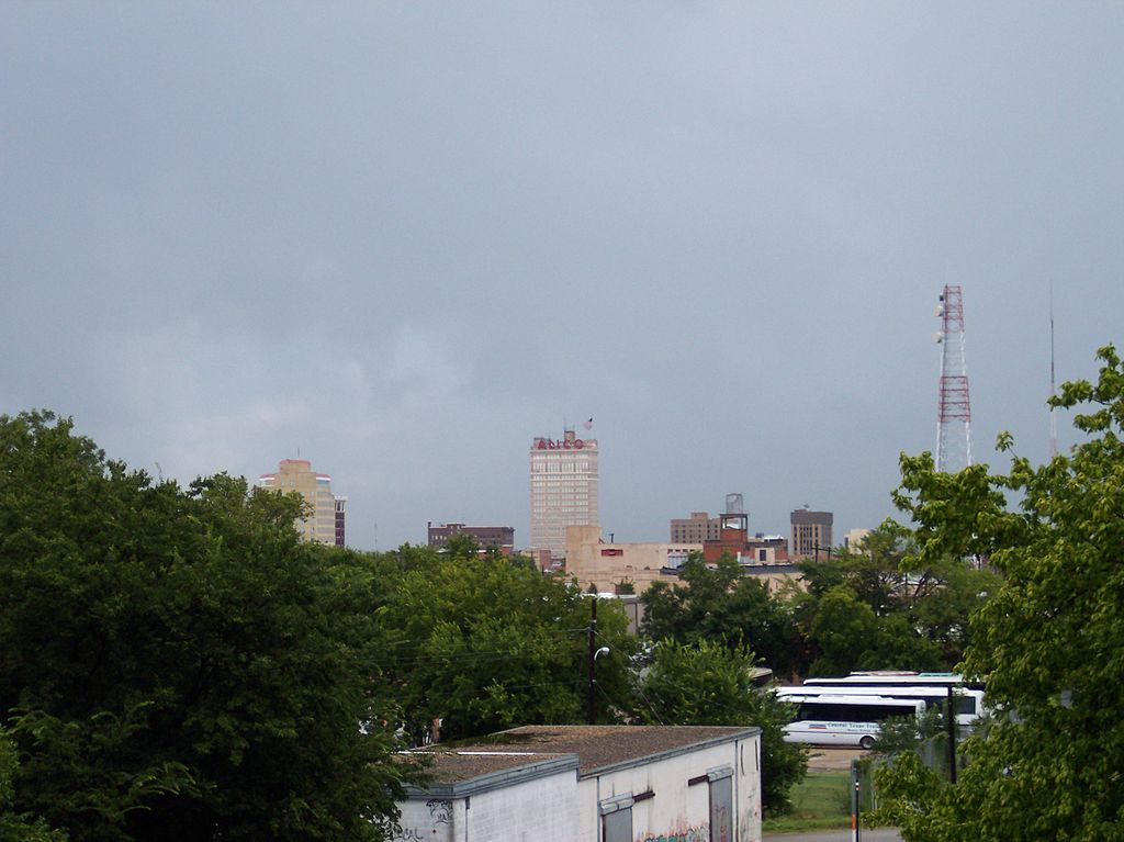 1024px-Downtown_Waco_from_17th_Street_br