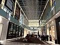 Dubai Mall - eines der größten Einkaufszentren der Welt - دبي مول - واحدة من أكبر مراكز التسوق في العالم - panoramio.jpg