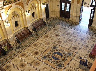 Dunedin railway station - Interior of the station, showing the booking hall's mosaic floor