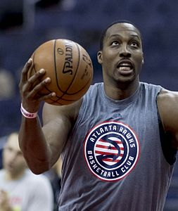 Dwight Howard (30667806762).jpg