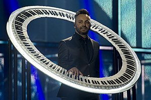 Romania in the Eurovision Song Contest 2014 - Ovi playing the circular keyboard