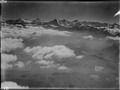 ETH-BIB-Thunersee, Berneralpen, Wolken v. N. W. aus 2500 m-Inlandflüge-LBS MH01-006582.tif