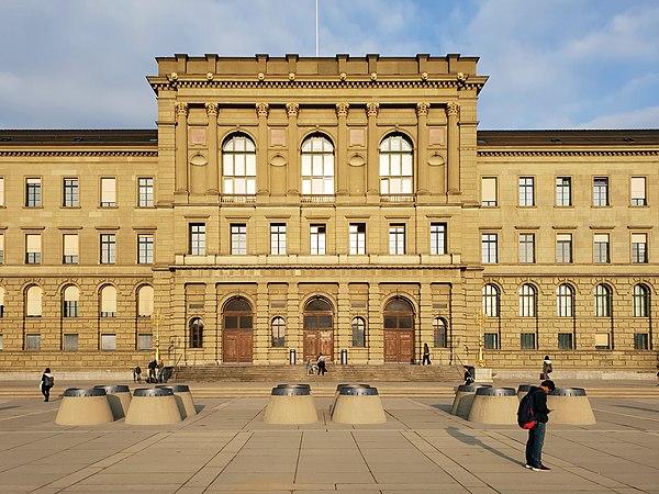 ETH Zürich Hauptgebäude 20180929 174009 (S9 korr).jpg