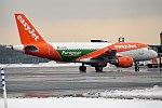 EasyJet (Europcar Livery), G-EZDR, Airbus A319-111 (24348027838).jpg