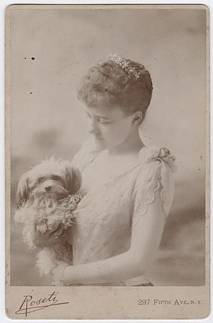 Edith Wharton - Edith Wharton collection/Beinecke 10061396. Edith Wharton as a young woman, ca. 1889