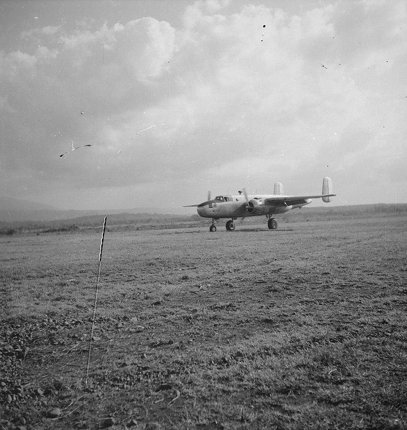 800px Een Mitchell B 25 bommenwerpers%2C Bestanddeelnr 11843