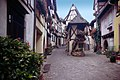 Eguisheim-02-Gassen-1994-gje.jpg