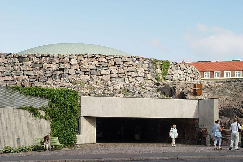File:Eingang Felsenkirche Helsinki.jpg