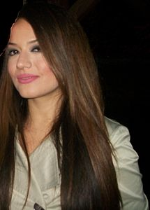 color hair also has a reddish tint, but is less red and more brown ...