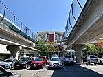 Elevated International Terminal railway station seen from ground level, Brisbane 01.jpg