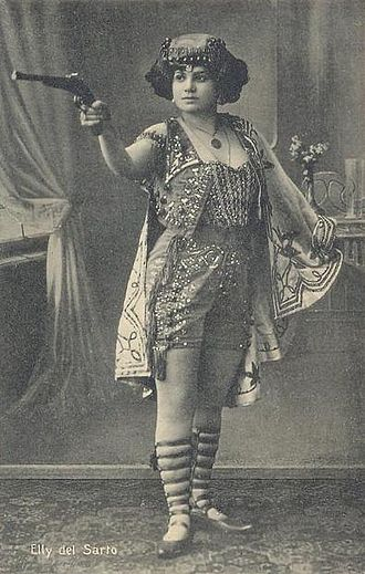 Sideshow - Elly del Sarto, a sideshow performer, in c. 1910