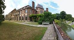 Eltham Palace (25098625346).jpg