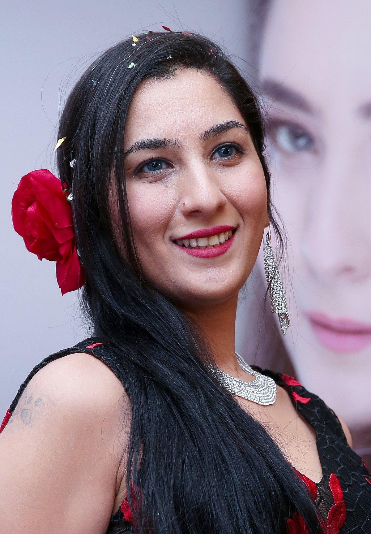 Ema Shah Wikipedia