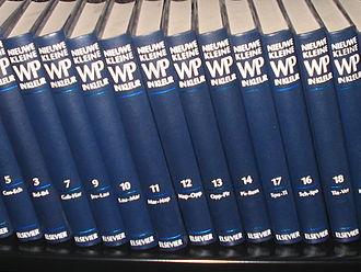 Winkler Prins - The Nieuwe Kleine (new small) edition of the Winkler Prins