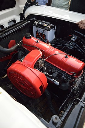 Engine - Ford - Fairlane - 1959 - 35 hp - 6 cyl - RJ 14 UB 933 - Kolkata 2014-01-19 5899.JPG