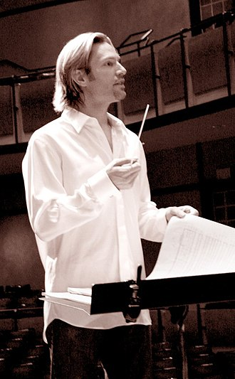 Eric Whitacre - Whitacre conducting in 2007