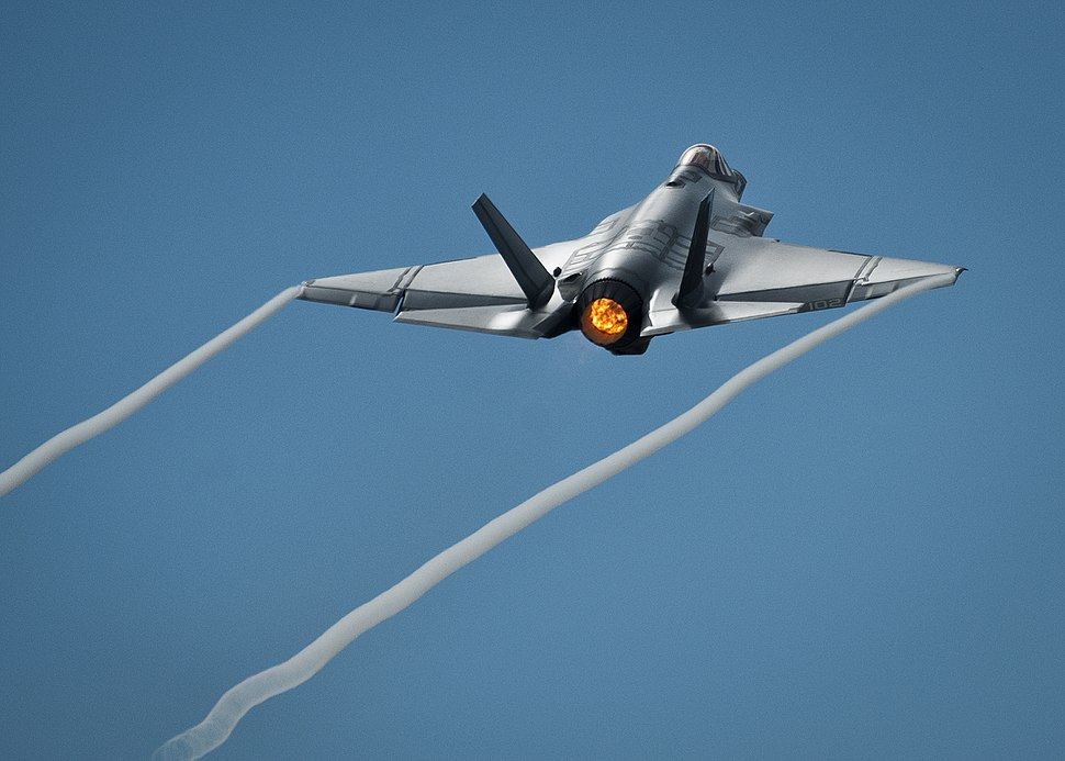 F-35C Lighting of VFA-101 taking off from Eglin AFB 2013