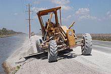 motolivellatrici grader 220px-FEMA_-_24608_-_Photograph_by_Marvin_Nauman_taken_on_05-19-2006_in_Louisiana