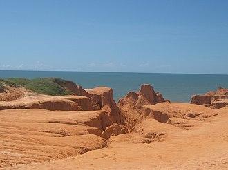 Beberibe Cliffs Natural Monument - Image: Falésias do Morro Branco 3