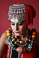 Femme aux bijoux.jpg