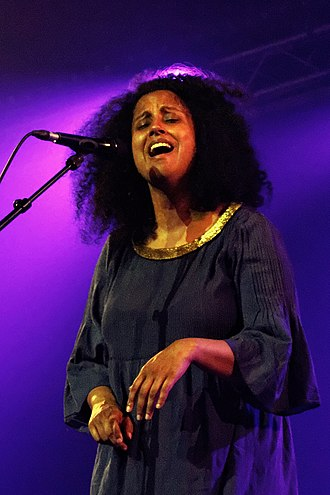 Susheela Raman - Concert in Brittany (France) in July 2014