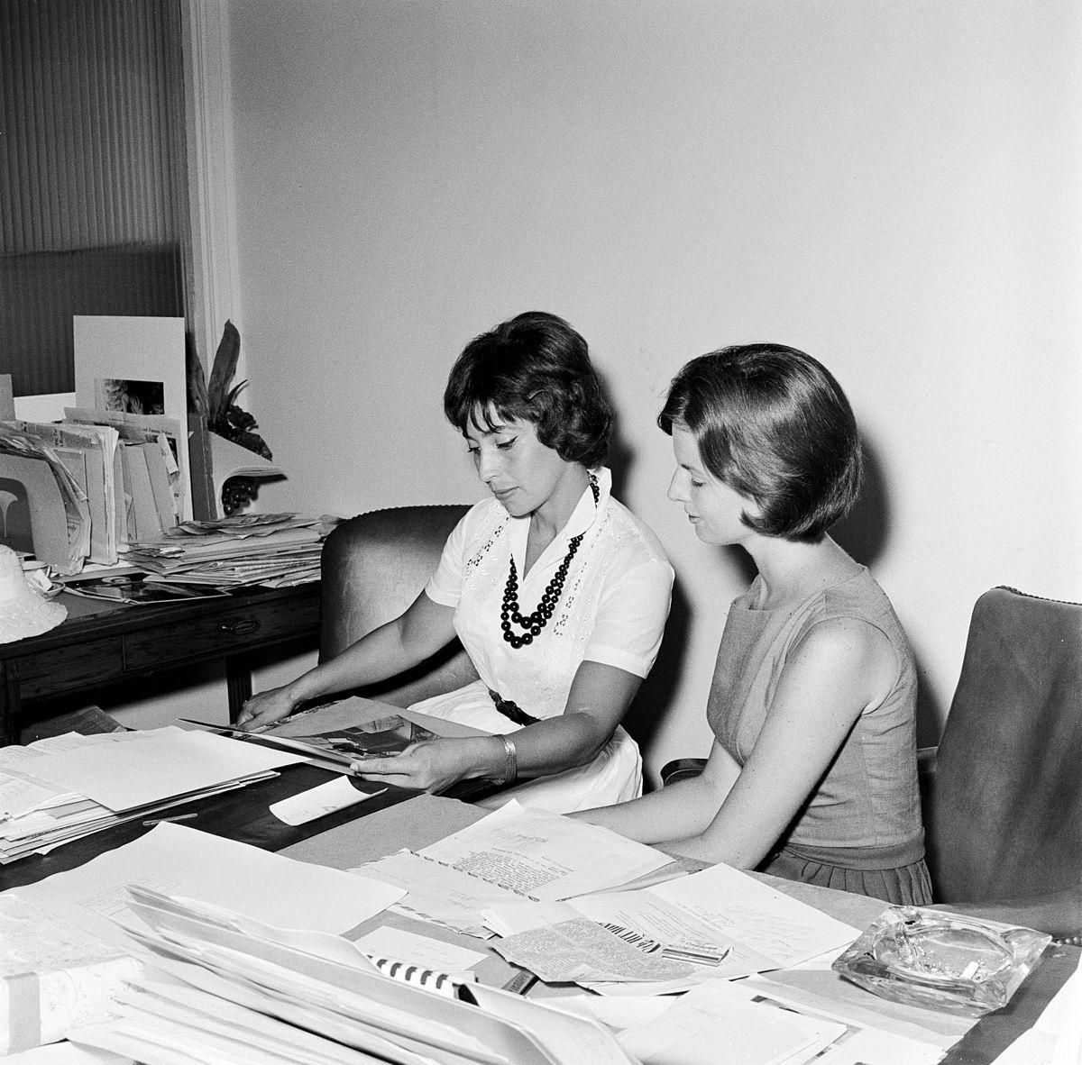 Secretario administraci n wikipedia la enciclopedia libre for Areas de una oficina
