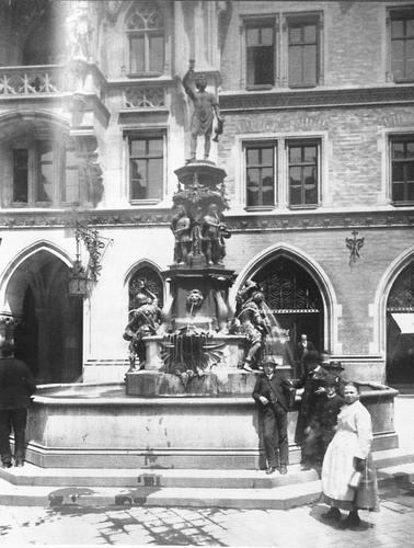 B Hmler Im Tal M Nchen der historische fischbrunnen 1865 1944 bild 1890
