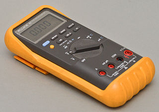 https://upload.wikimedia.org/wikipedia/commons/thumb/e/e2/Fluke_87_multimeter_with_holster.jpg/320px-Fluke_87_multimeter_with_holster.jpg