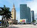 Freedom Tower and Biscayne Boulevard - panoramio.jpg