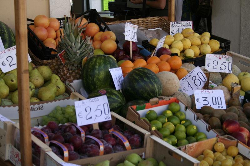 File:Fruit market in Ventimiglia.jpg