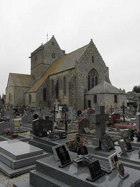 Chevet et flanc sud de l'église Notre-Dame de Genêts (50).