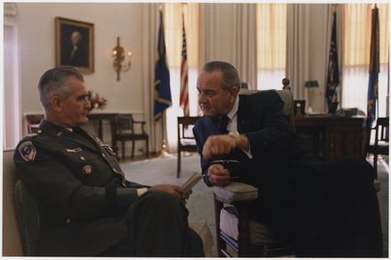 General Westmoreland with Lyndon B. Johnson in the White House, November 1967. General William Westmoreland and President Lyndon B. Johnson in the Oval Office - NARA - 192557.tif