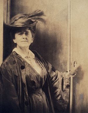 Gertrude Käsebier - Portrait by Adolf de Meyer, c. 1900.