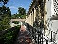 Getty villa, peristilio esterno, terrazza.JPG