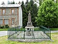 Giat Villevergne monument aux morts (1).jpg