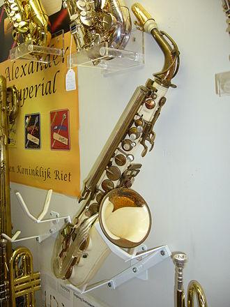 Grafton saxophone - Frontal view