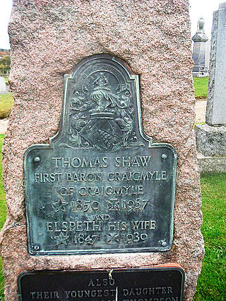 Thomas Shaw, 1st Baron Craigmyle - Headstone commemorating Thomas Shaw, Baron Craigmyle (1850–1939)